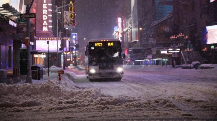 Massive snowstorm hits US east coast
