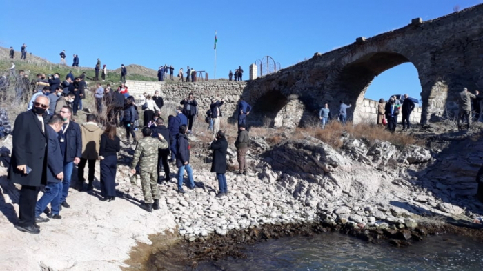 Foreign diplomats visit Khudaferin Bridge -   PHOTOS