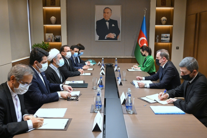 Azerbaijani FM meets with delegation of the Islamic Consultative Assembly of Iran