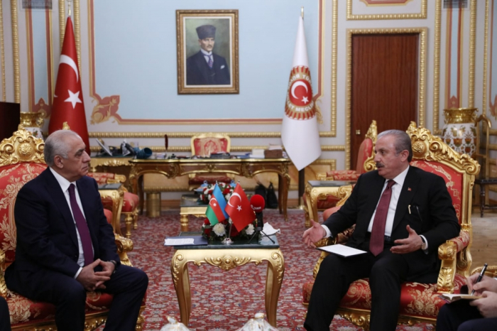 Azerbaijani PM meets with Mustafa Sentop