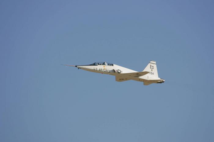 Japan air force officer, US instructor killed in plane crash