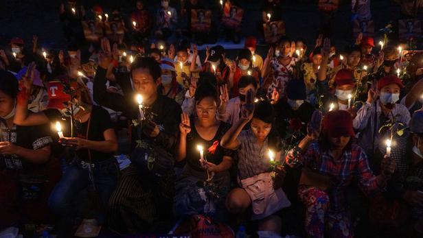 La junte birmane a averti les manifestants qu