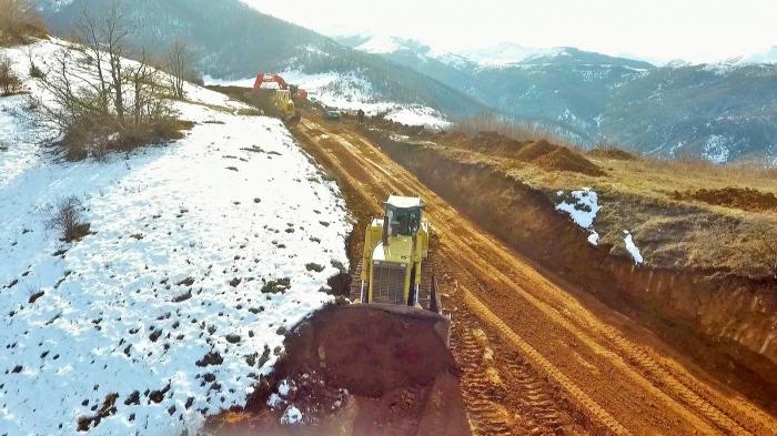 Total length of roads in Azerbaijan