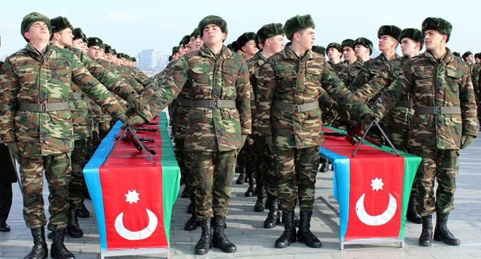 Azerbaijani parliament discusses amendment to law on military service