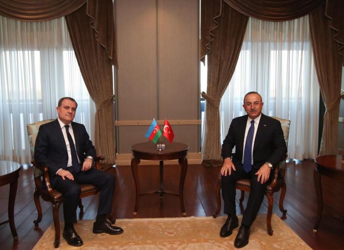 Jeyhun Bayramov traf sich mit Cavusoglu in Ankara   - FOTO