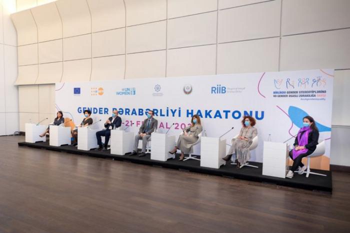"""Azərbaycanda ilk """"Gender bərabərliyi"""" hakatonu keçirilib"""