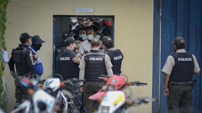 Über 70 Tote bei Bandenkrieg hinter Gittern