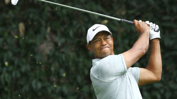 Tiger Woods bei schwerem Autounfall verletzt
