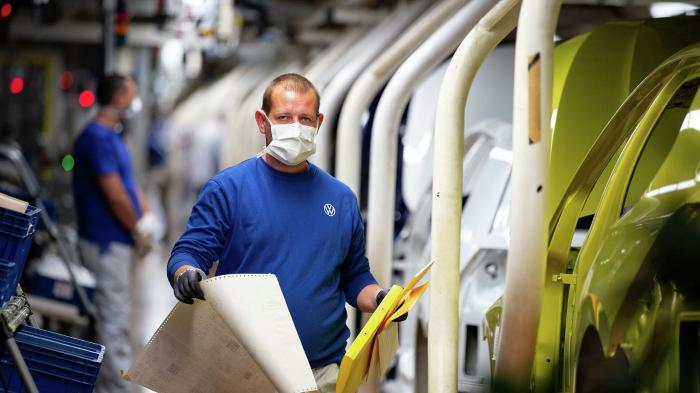 Keine Einigung über Tarif-Angebot: IG Metall hält Warnstreiks bei VW für möglich