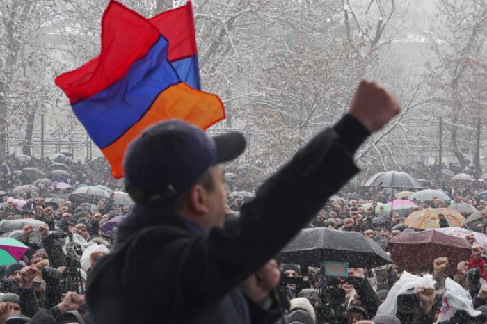 Armenian PM Pashinyan faces fresh calls to resign