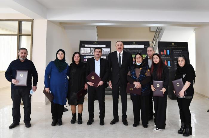 Ilham Aliyev a rencontré les familles des martyrs et des invalides de guerre - PHOTOS