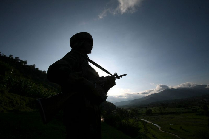 India and Pakistan agree to stop firing in Kashmir