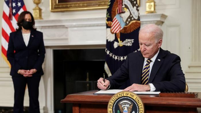 Biden hebt Einreiseverbote für Greencard-Bewerber auf