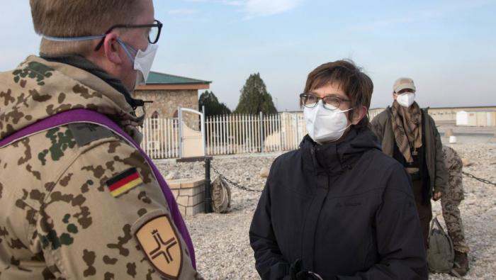 Kramp-Karrenbauer besucht deutsche Soldaten in Afghanistan