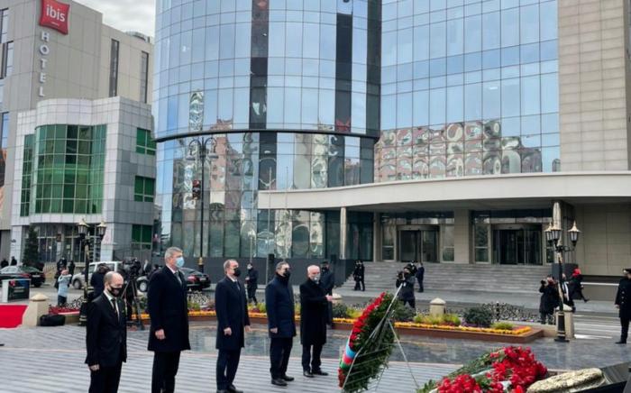 El canciller conmemora a las víctimas del genocidio de Joyalí