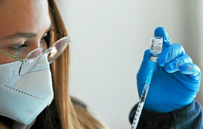Virus enIsraël: la moitié de la population a reçu une dose du vaccin