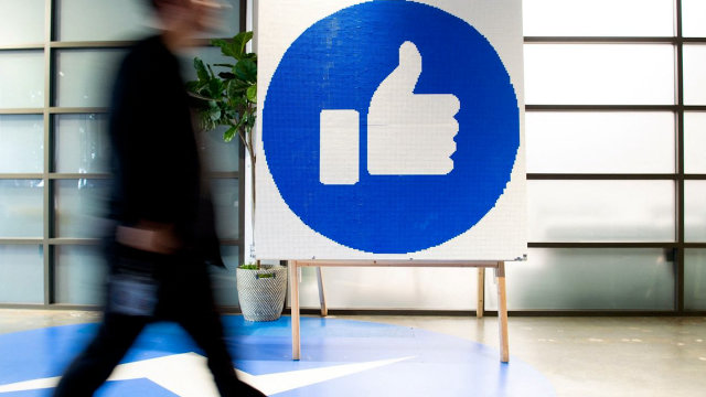 What happens when Facebook slows the news flow -   iWONDER