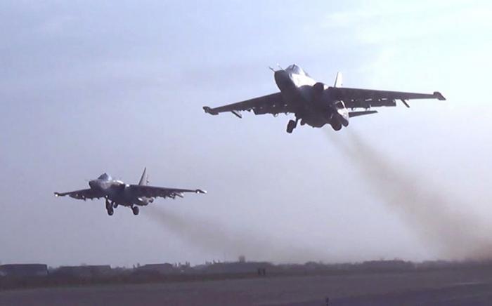 Müharibədə düşmənə vurulan aviazərbələrin görüntüsü -    VİDEO