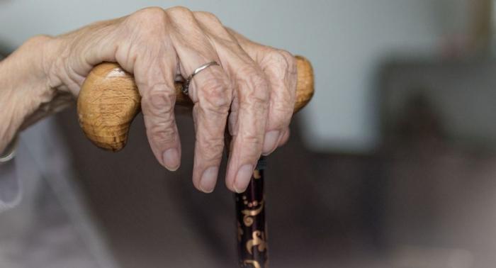 Qadınların pensiya yaş həddi yenidən 6 ay artırılacaq