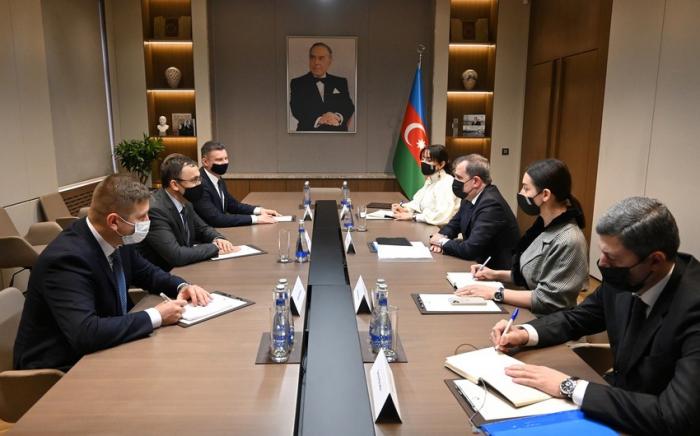 Djeyhoun Baïramov rencontre le vice-ministre ukrainien des AE