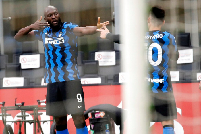 """İnter"" Milan derbisini 3 qolla qazandı"