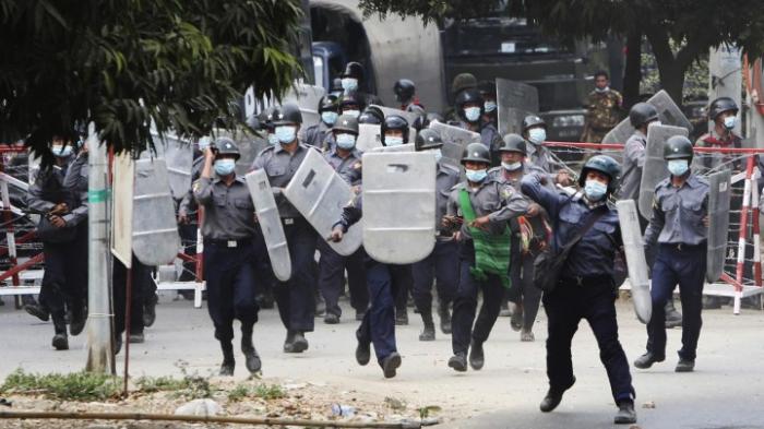 Tote und Verletzte bei Demonstrationen