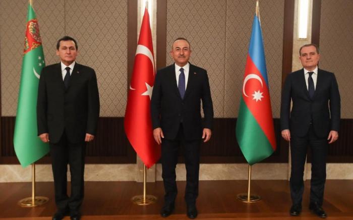 Ankara accueille une réunion trilatérale des MAE azerbaïdjanais, turc et turkmène - Mise à Jour -PHOTO