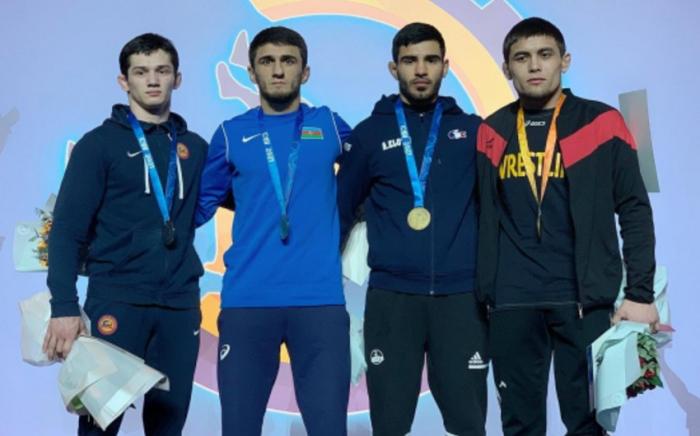 Güləşçilərimiz Kiyevdən 6 medalla qayıdır