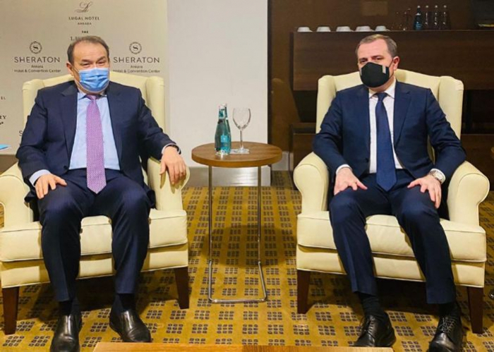 Azerbaijani FM meets withSecretary General of the Turkic Council