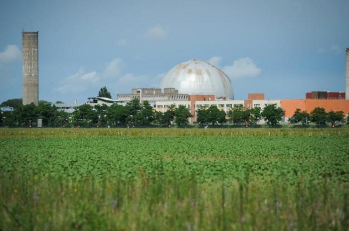France: les plus vieux réacteurs nucléaires prolongés au-delà de 40 ans