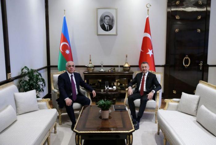 Əli Əsədov Fuat Oktayla -