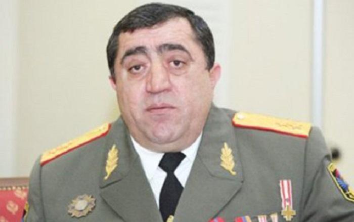 Daha bir general Paşinyanın istefası tələbinə qoşuldu