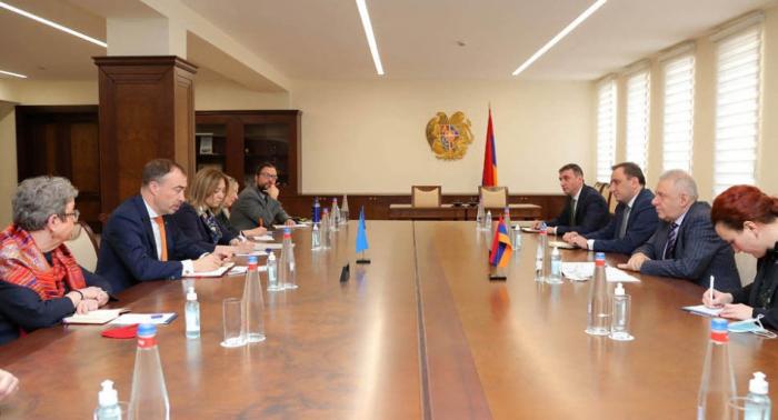 EU-Vertreter erörtert Karabach in Eriwan