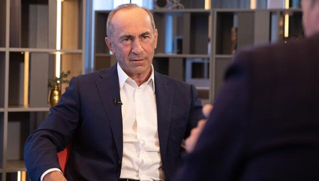 Kocharyan calls on Armenians to support the military