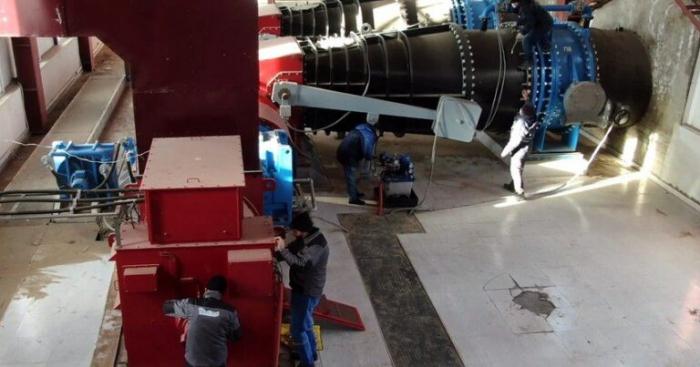 Des soldats de la paix russes aident à restauration de la centrale hydroélectrique de Latchine