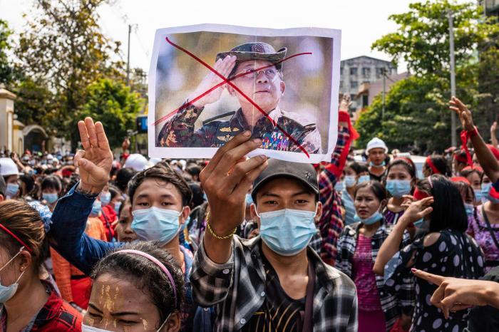 Myanmar hadisələri kimin maraqlarına xidmət edir?