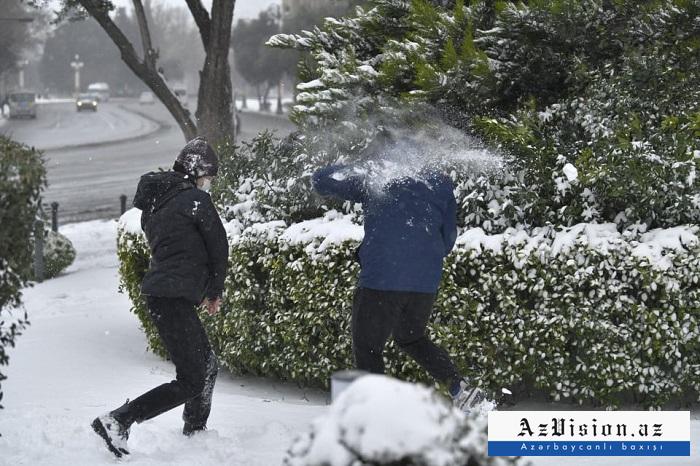 Bakú está cubierto de nieve-  Sesión de fotos