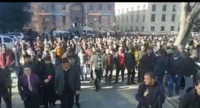 احتجاجات في قفان: سكان يطالبون باستقالة باشينيان