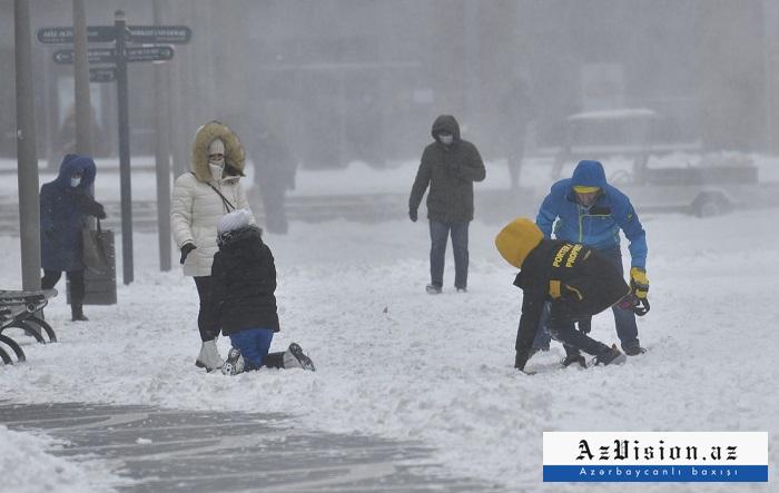 Rayonlara hələ də qar yağır -  Faktiki hava