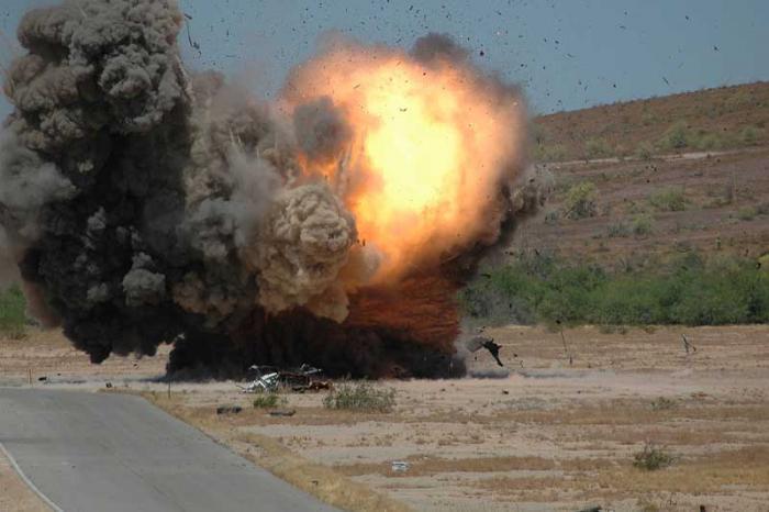 Suriyada iki avtobus minaya düşdü -  18 nəfər öldü