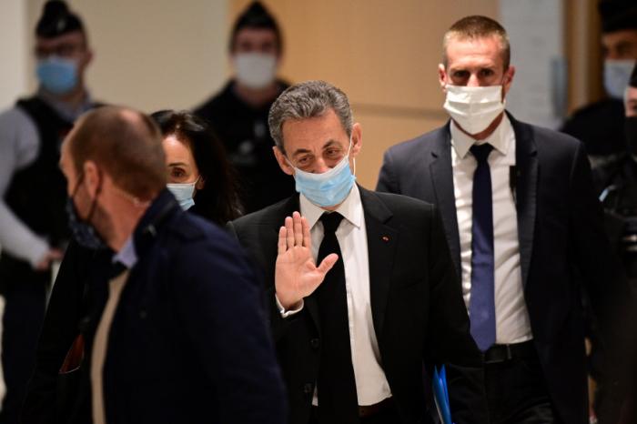 """Affaire des """"écoutes"""": Sarkozy a été condamné à trois ans de prison"""