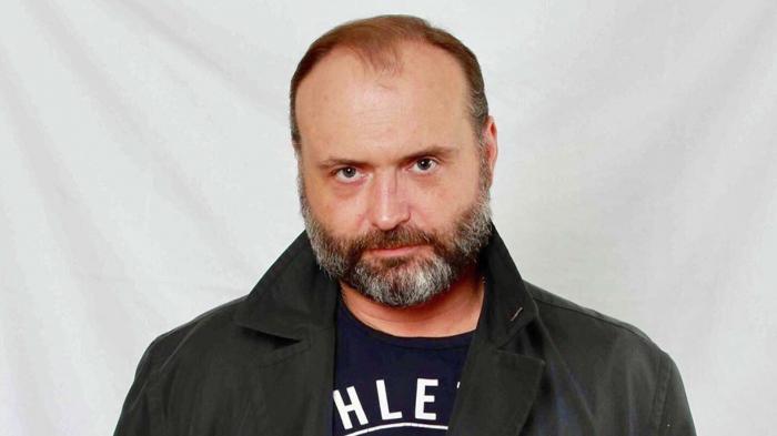Məşhur aktyor infarkt keçirdi, vəziyyəti ağırdır