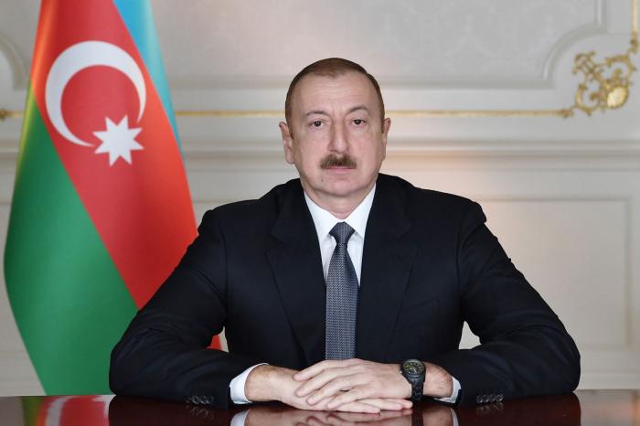 الرئيس يلقي كلمة في مؤتمر حزب أذربيجان الجديدة