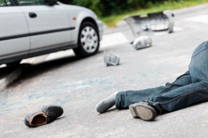 """""""Mitsubishi"""" yolu keçən piyadanı vurub öldürdü"""