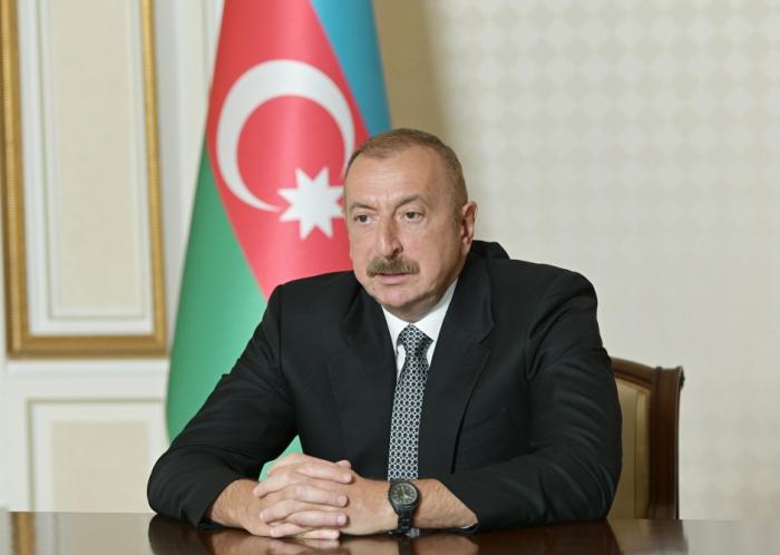 """إلهام علييف:   """"إذا تصرفت أرمينيا بشكل طبيعي ، فيمكنها الاستفادة من هذه العملية"""""""