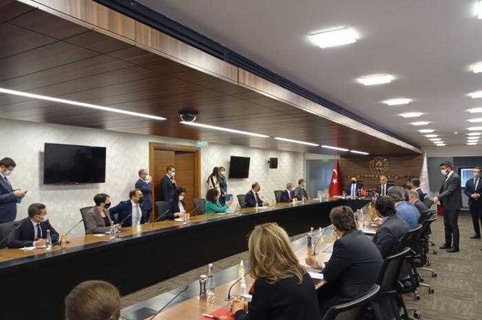 Ankara acoge la reunión de la Comisión Cultural Conjunta azerbaiyano-turca