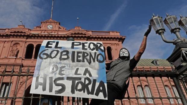Protestas en Argentina por el escándalo de los vacunados VIP