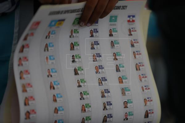 Los salvadoreños se sobreponen a la covid-19 y votan para favorecer a Bukele