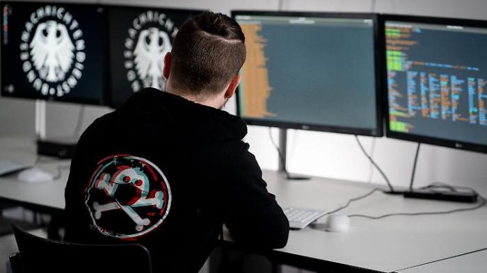 BND rekrutiert Hacker mit Cyber-Karnickel