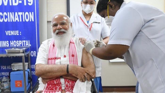 Indian prime minister Modi receives coronavirus jab